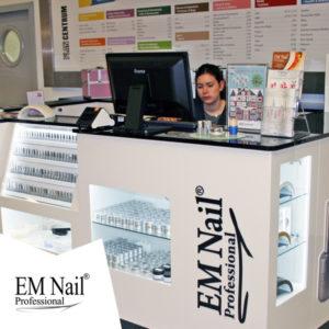 EM Nail